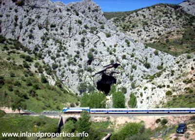 Cueva del Gato Ronda Benaojan Main Access
