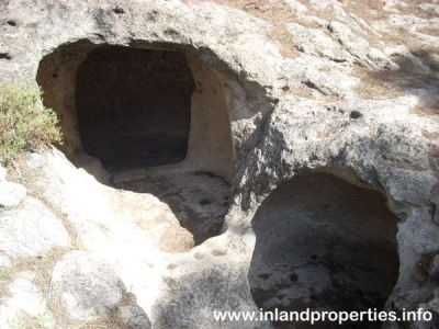 ardales chorro necropolis aguilillas tumba1-2